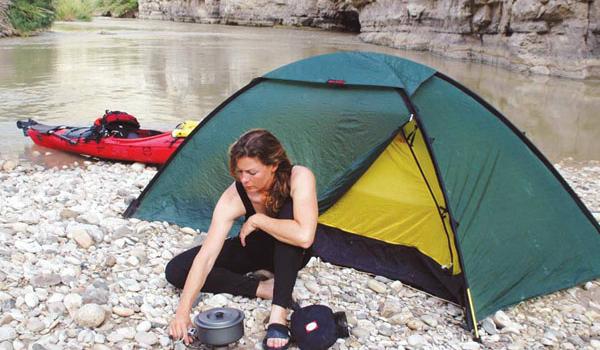 Renata num dos acampamentos - Foto: Arquivo pessoal.