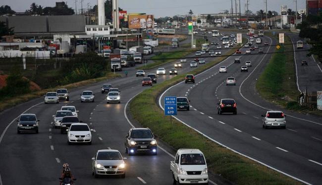 Faróis acesos ajudam a diminuir acidentes - Foto: TopMidiaNews.