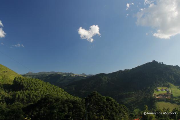 Um pouco da vista que tenho da casinha na montanha.
