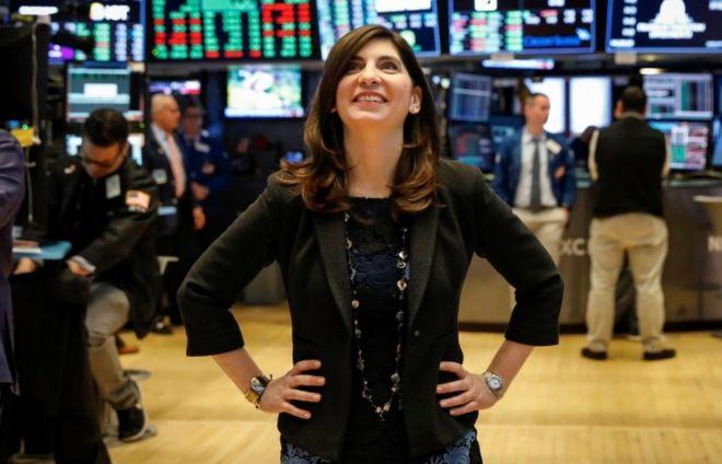 Bolsa de Valores de Nova York sob comando feminino.